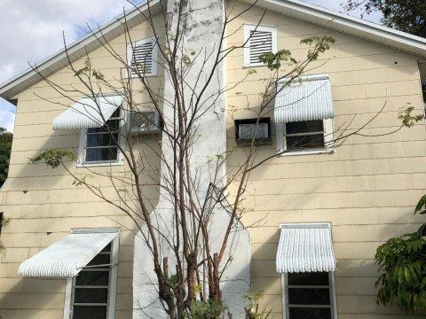 819 Lytle St West Palm Beach, FL 33405, USA