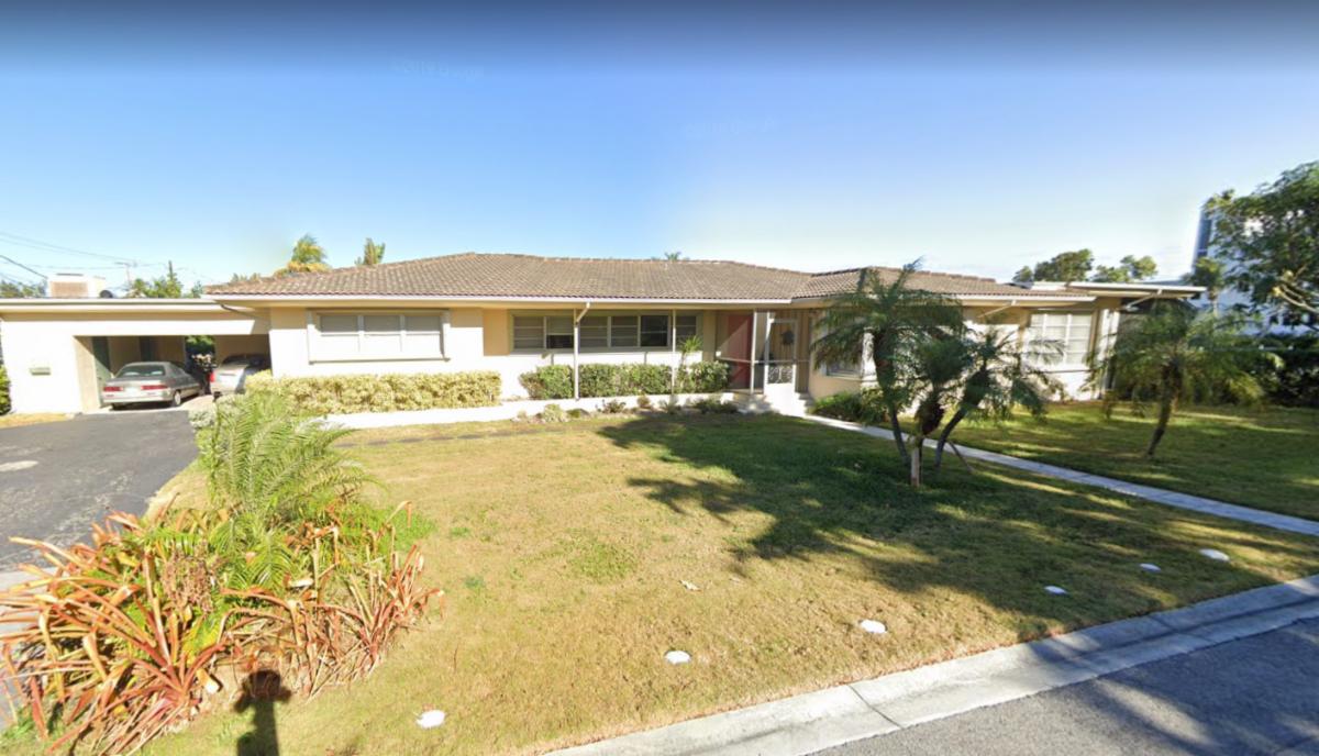 880 S Shore Dr Miami Beach, FL 33141, USA