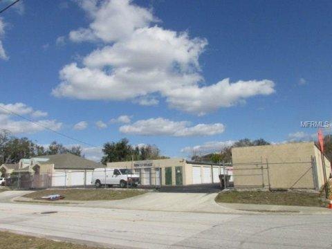 909 Robinson Ave, Kissimmee, FL 34741,