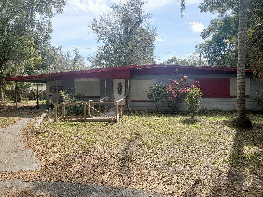 1115 NE 5th Pl Gainesville, FL 32601