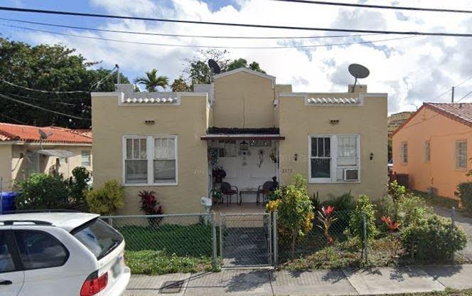 2370 NW Flagler Terrace Miami, FL 33125