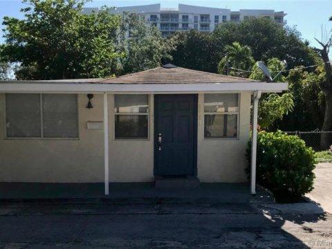 2721 SW 28th Ct Miami, FL 33133, USA