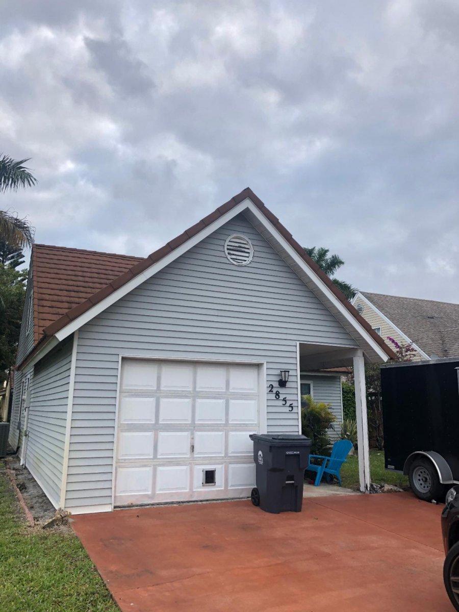 2855 Black Pine Ct Lake Worth, FL 33462 USA
