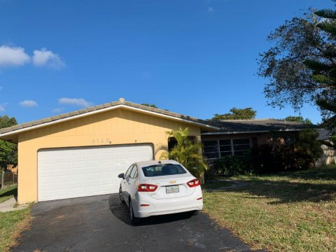 4128 NW 79th Ave Coral Springs, FL 33065, USA