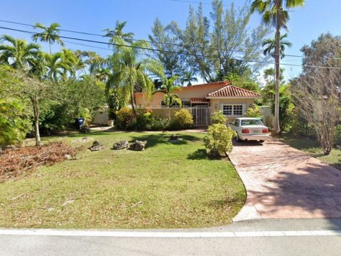 6046 N Waterway Dr Miami, FL 33155, USA