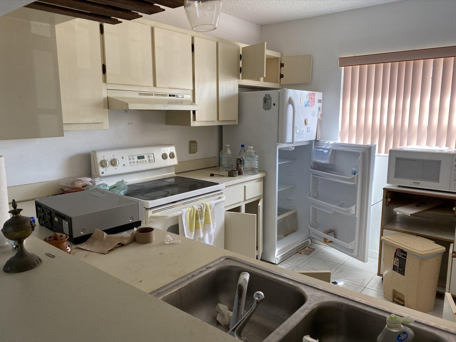 6285 NW 190th Terrace Hialeah, FL 33015, USA