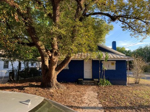 632 Emma St Lakeland, FL 33815, USA