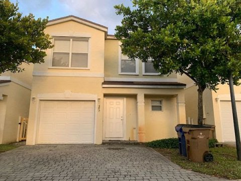 985 SW 15th St Deerfield Beach, FL 33441, USA