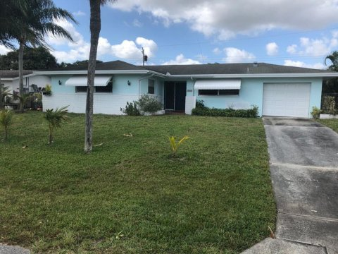 9943 Dogwood Ave Palm Beach Gardens, FL 33410, USA