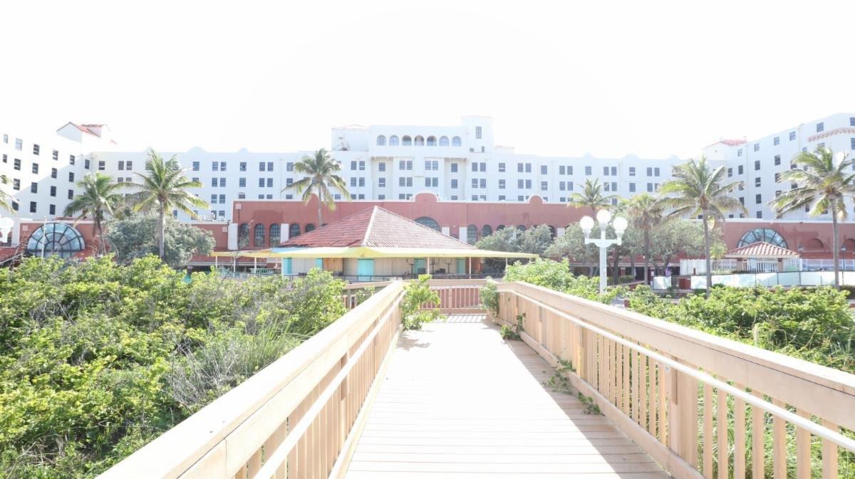 101 N Ocean Dr Hollywood, FL 33019, USA