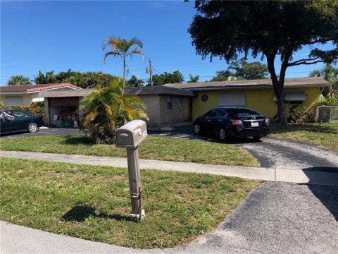 1148 SW 1st Terrace Pompano Beach, FL 33060, USA