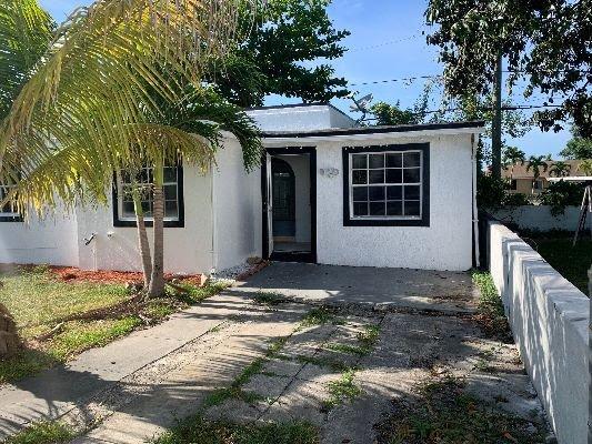 1935 NW 48th St Miami, FL 33142