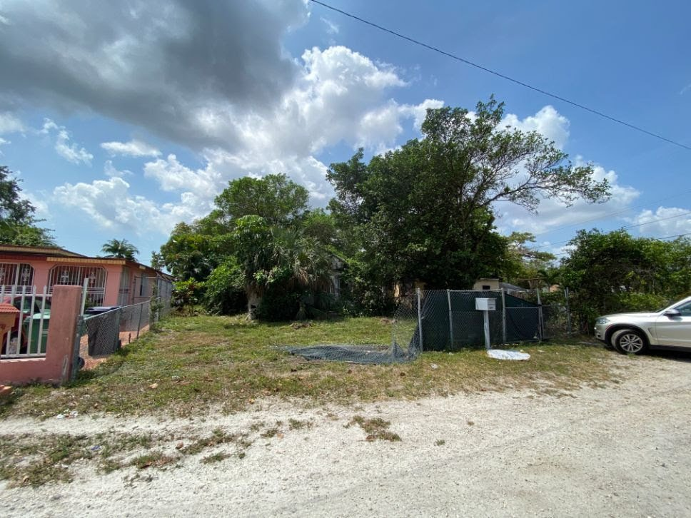 2932 NW 93rd StMiami, FL 33147