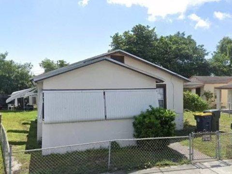 55 SW 7th Ave Dania Beach, FL 33004, USA