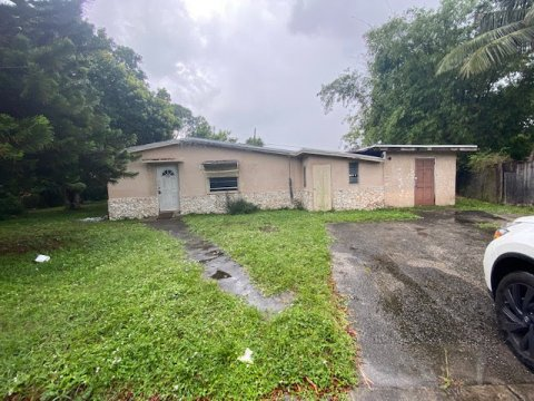 1609 NW 15th Ln Fort Lauderdale, FL 33311