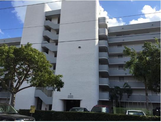 1650 NE 115th St APT 306 Miami, FL 33181, USA