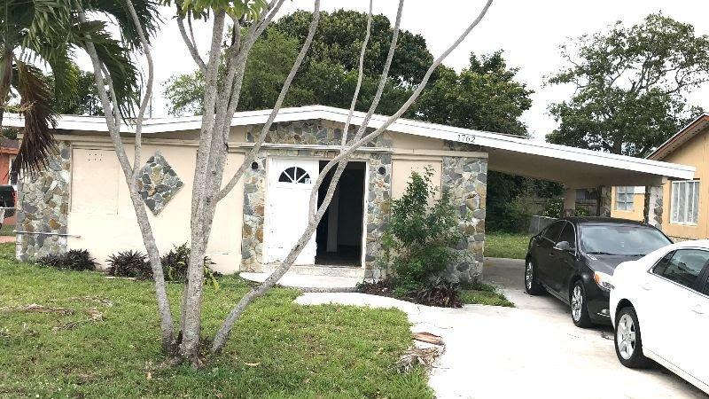 1762 NW 154th St Opa-locka, FL 33054, USA