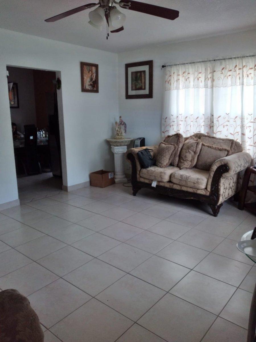 209 SW 14th St Dania Beach, FL 33004
