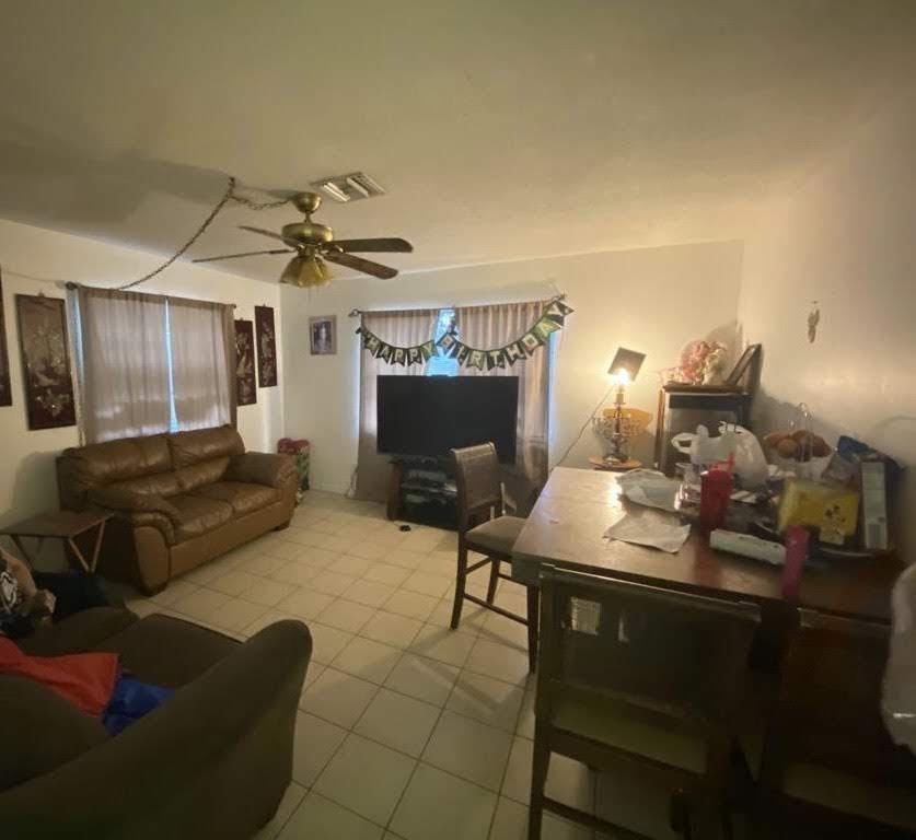 2420 Garfield St Hollywood, FL 33020