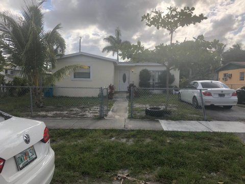 2731 NE 4th St Boynton Beach, FL 33435, USA