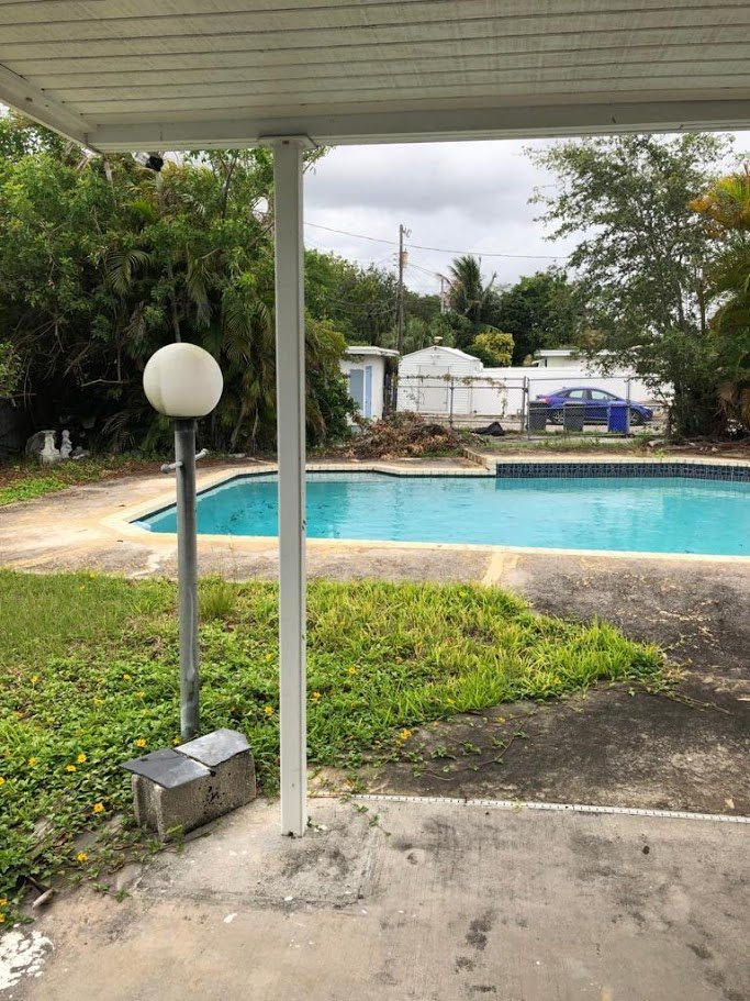 3407 N Longfellow Cir Hollywood, FL 33021