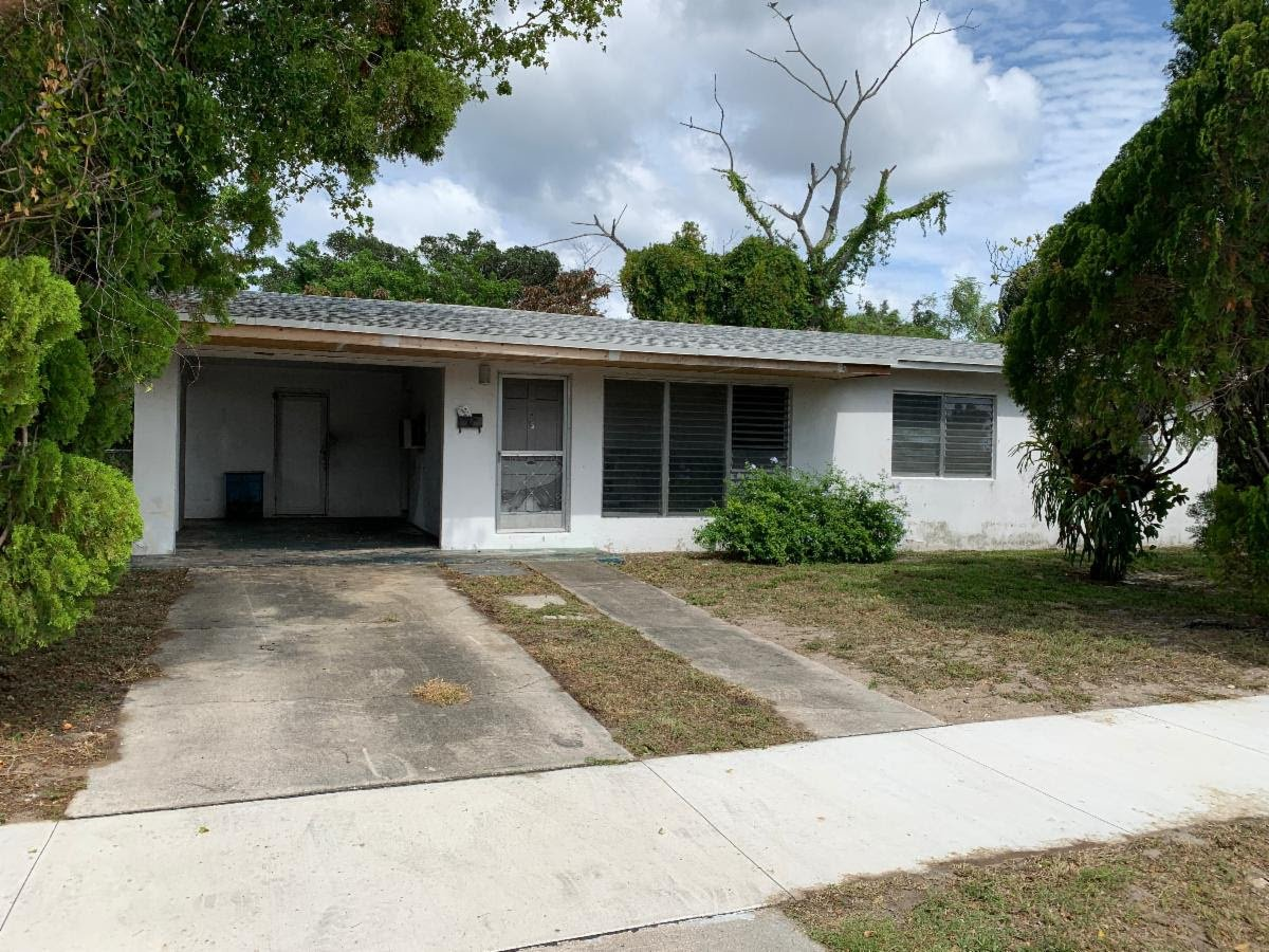 622 Wright Dr Lake Worth, FL 33461 USA