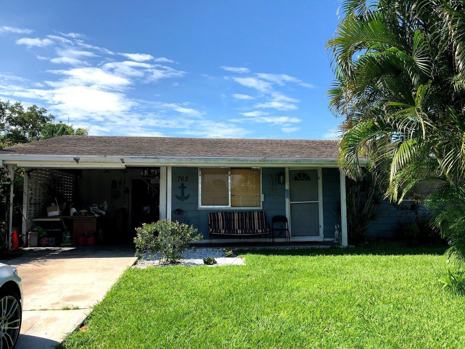 762 E Prima Vista Blvd Port St. Lucie, FL 34952 USA
