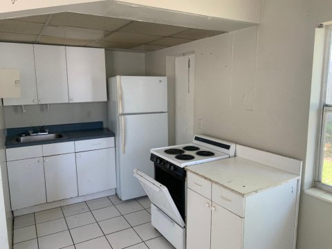 1050 NE 9th Ave Fort Lauderdale, FL 33304, USA