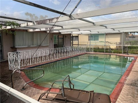 1155 SW 27th Pl Boynton Beach, FL 33426, USA
