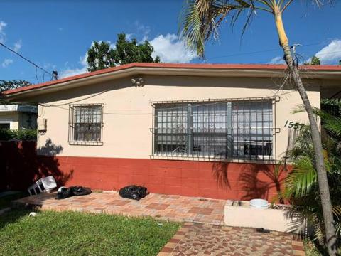 1557 NW 66th St Miami, FL 33147, USA