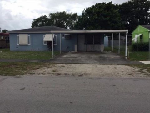 2310 NW 154th St, Miami Gardens, FL 33054
