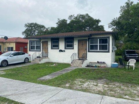 2400 NW 61st St Miami, FL 33142, USA