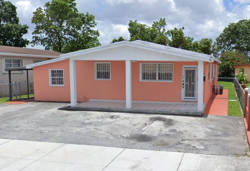 368 W 17th St Hialeah, FL 33010, USA