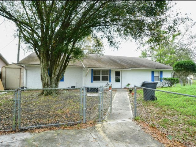 828 Trina Ln Lakeland, FL 33809, USA