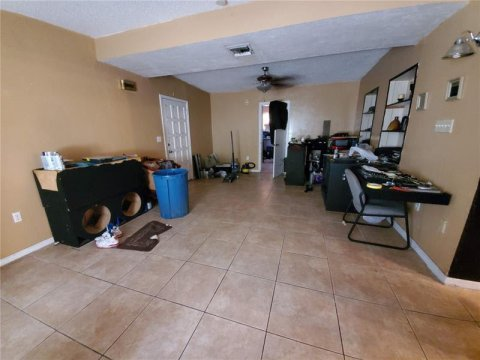 924 NW 15th St Florida City, FL 33034, USA