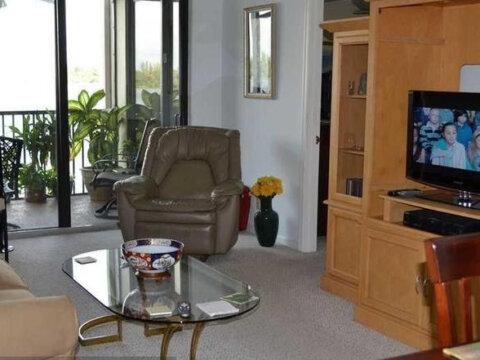 117 Lake Emerald Dr APT 209 Oakland Park, FL 33309, USA