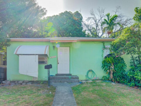 12225 NE 11th Ct North Miami, FL 33161, USA