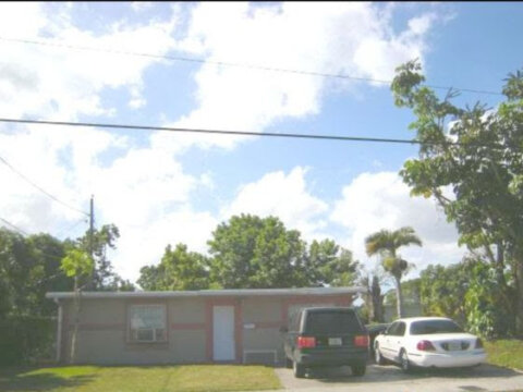 1239 SW 35th Ave Fort Lauderdale, FL 33312