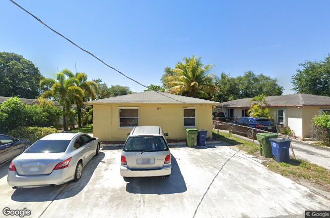 124 SE 2nd Ter Unit 1-2 Hallandale Beach, FL 33009