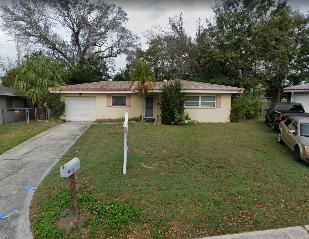 1452 Spring Ln Clearwater, FL 33755, USA