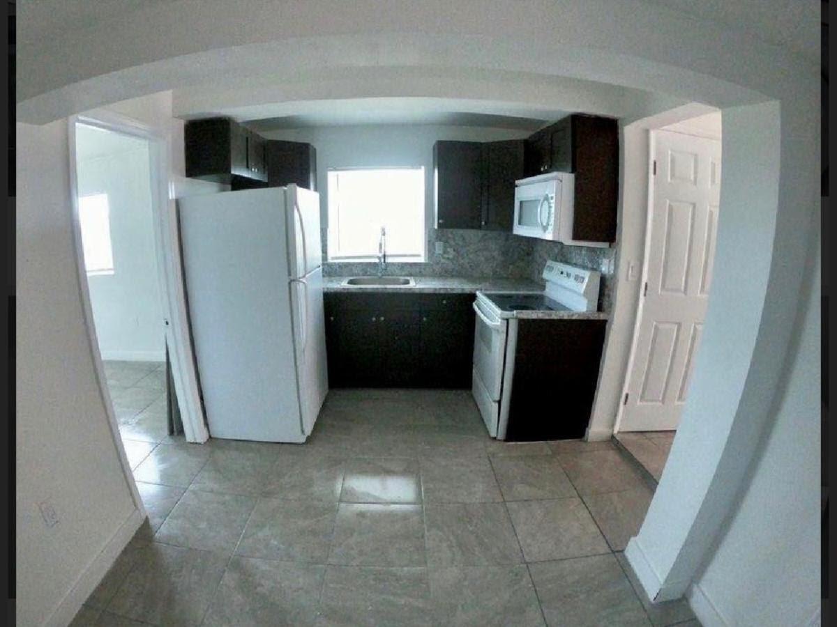 1713 NW 76th Terrace Miami, FL 33147