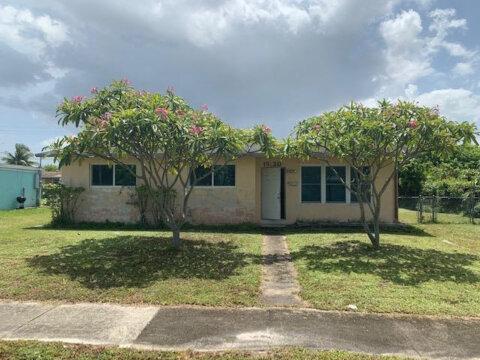 19120 NE 1st Ave Miami, FL 33161
