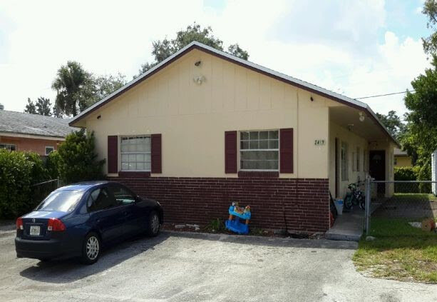 2419 NW 42nd Ave Lauderhill, FL 33313, USA