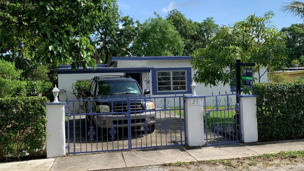 25 NW 121st St North Miami, FL 33168, USA