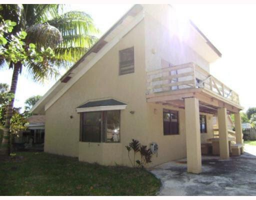 2636 Hiawatha Ave West Palm Beach, FL 33409