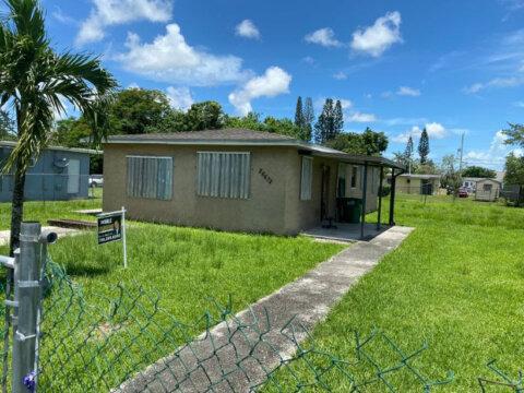 26672 Sw 137th Ct Miami, FL 33032