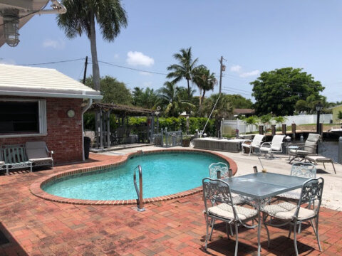 2701 NE 8th St Pompano Beach, FL 33062