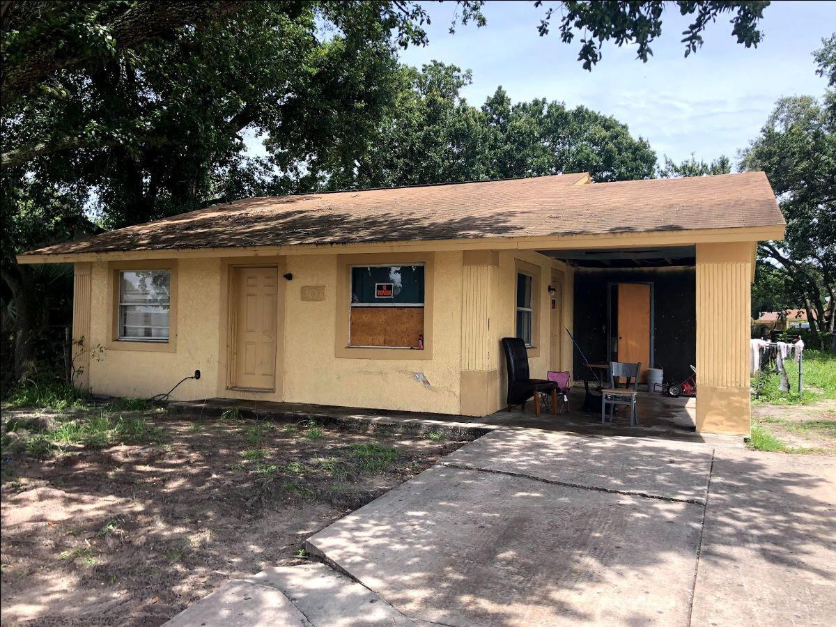 303 Benita St Kissimmee, FL 34744, USA