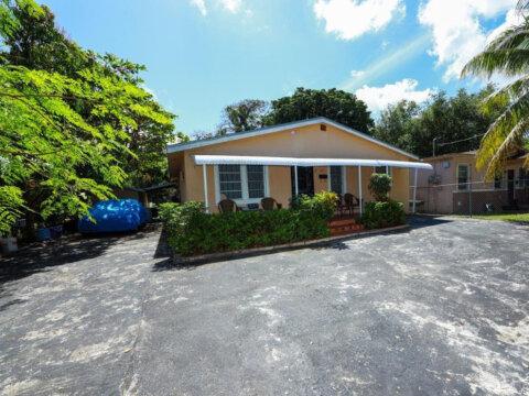 312 NW 51st St Miami, FL 33127, USA