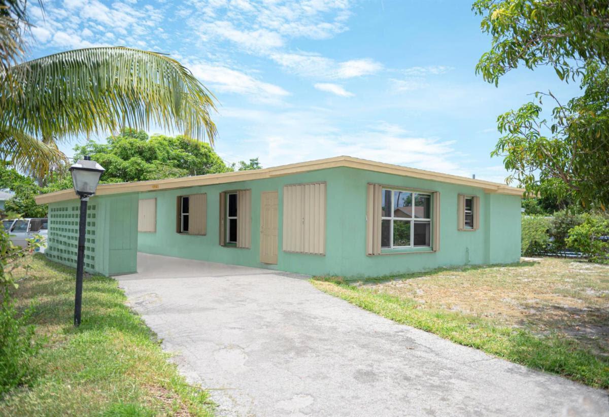 320 NE 16th Ave Boynton Beach, FL 33435, USA